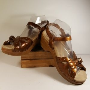 Dansko Metallic Bronze Sandals Women Size 40 EU 9